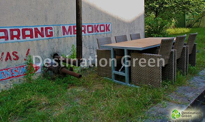 Amsterdam Bar Mejah outdoor dengan WPC , kayu buatan , komposit kayu , atas . dari Indonesia