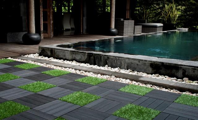 Ubin Taman Sambung WPC dan rumput dari Indonesia