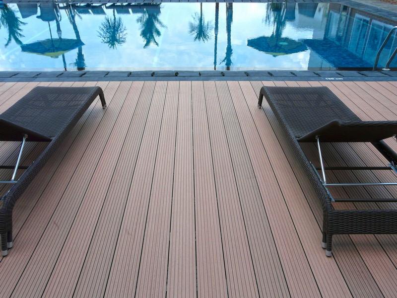 Pool Deck Kayu Komposit Dari Indonesia