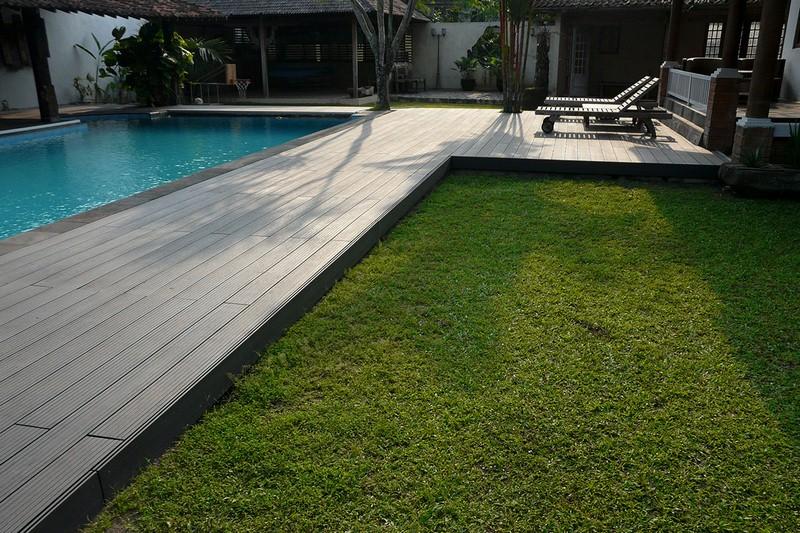 kolam renang dek Wood Plastic Composite dari Indonesia