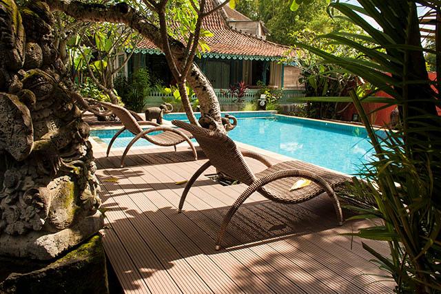 kolam renang dek WPC dari Indonesia
