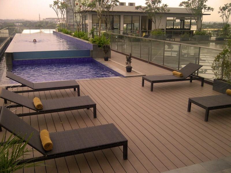 kolam renang dek Kayu Komposit dari Indonesia